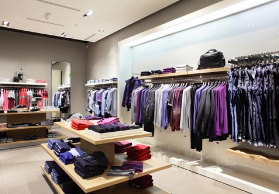 Arredamento negozio abbigliamento